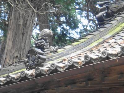 屋根の狛犬