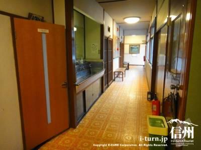 客室のある廊下