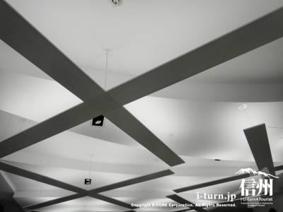 間接照明が素敵な天井