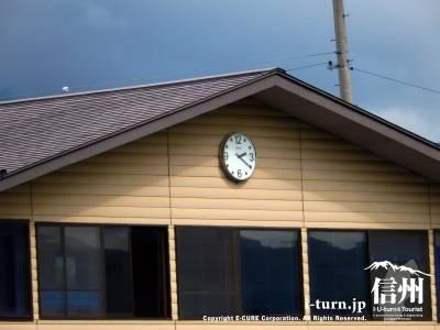 見やすい場所に時計もあります