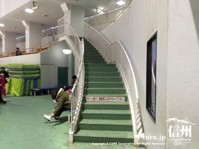 2階へ続く階段