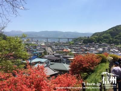 岡谷の町を眺められる場所もあります