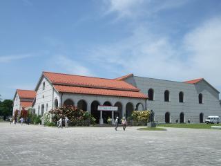 豊科近代美術館 バラ祭り|安曇野市