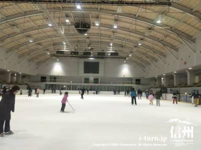 やまびこスケートの森アイスアリーナ|ファミリーで楽しめる国際公認リンク|岡谷市内山
